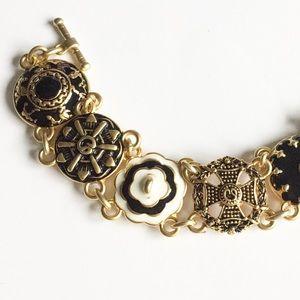 St John Toggle bracelet